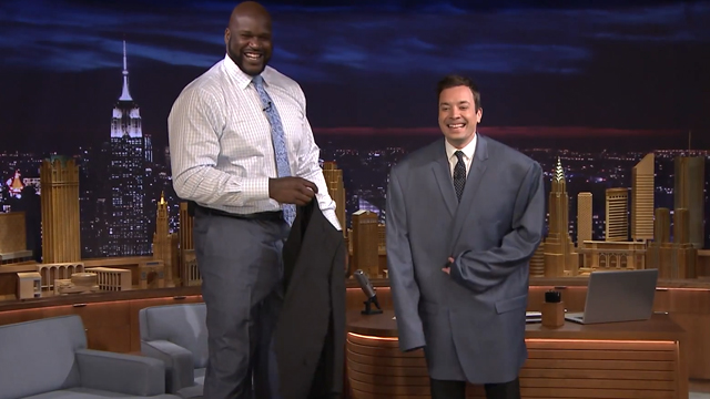 Shaquille O'Neal Lets Jimmy Fallon Wear His Enormous Size 58 Suit Jacket