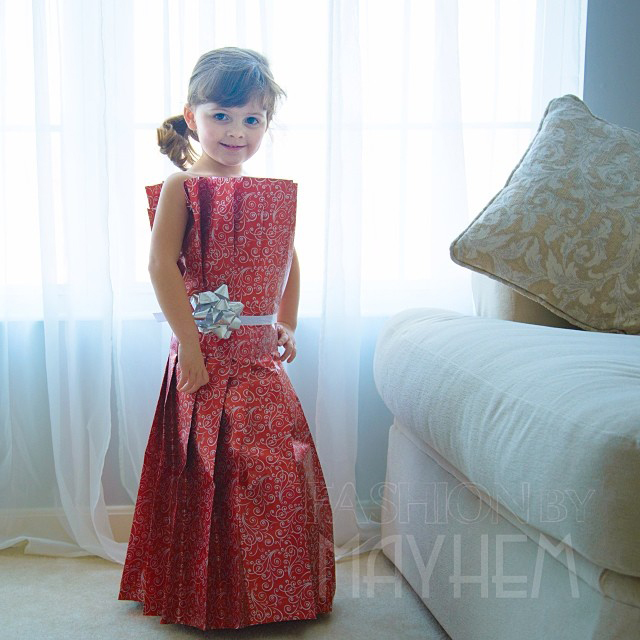 Mom And Daughter Make Dresses From Paper, Tape And Other Things Around the House