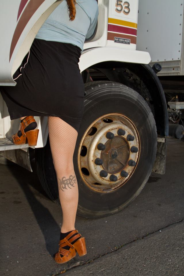 Hook-up Truck