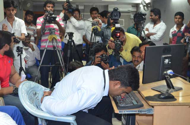 Indian Man Attempts World Record for Fastest Typing With His Nose