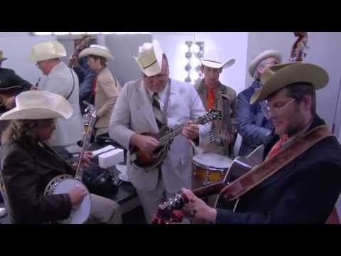 The Cleverly's Perform a Bluegrass Cover of the 'Super Mario Bros.' Theme Song