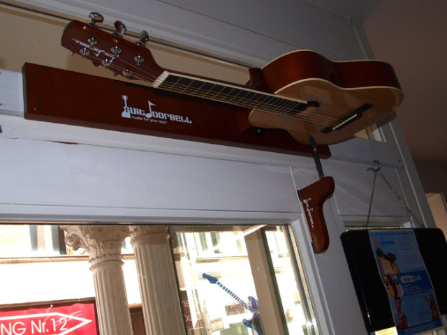 Guitdoorbell, A Door Chime Made From a Fully Functional Half-Size Acoustic Guitar