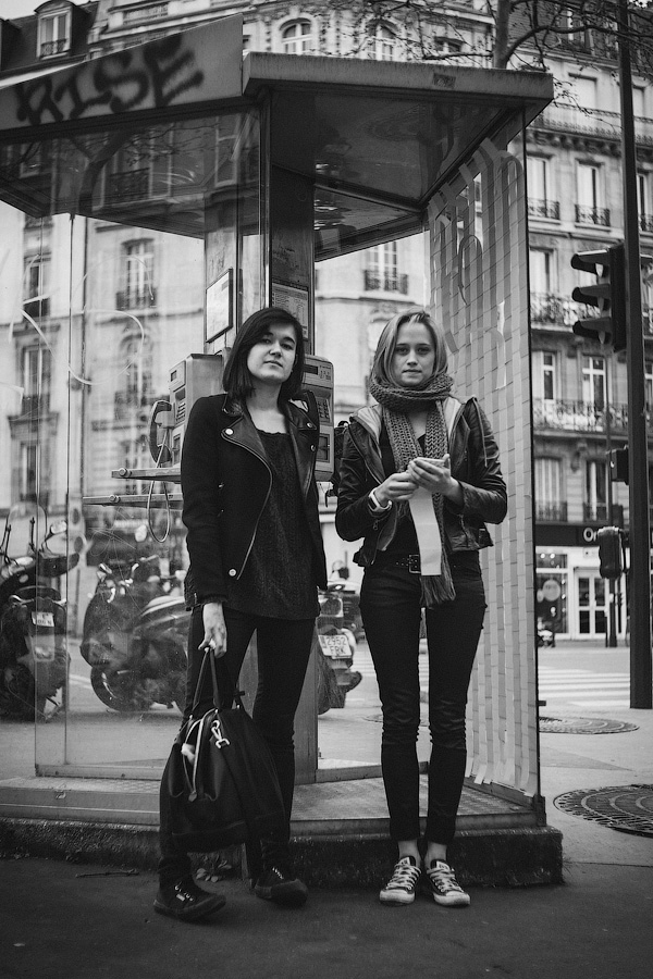 365 Parisiens - two women