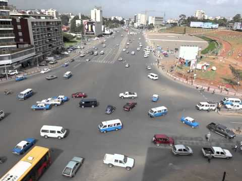 A Fascinating Time-Lapse Video of a Chaotic Street Intersection in Ethiopia Seemingly Without Traffic Laws