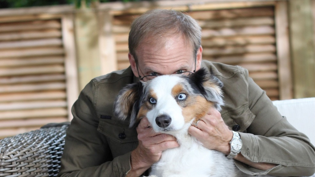 Alton Brown Creates A Stinky Treat To Keep His Dog From Snacking Out of The Cat's Litter Box