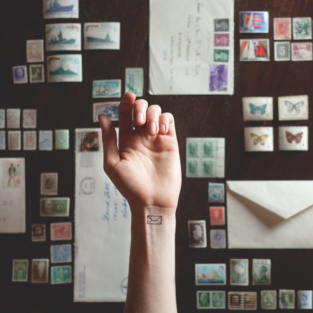 austin-tott-compares-tiny-tattoos-to-their-landscape-counterpart-designboom-02