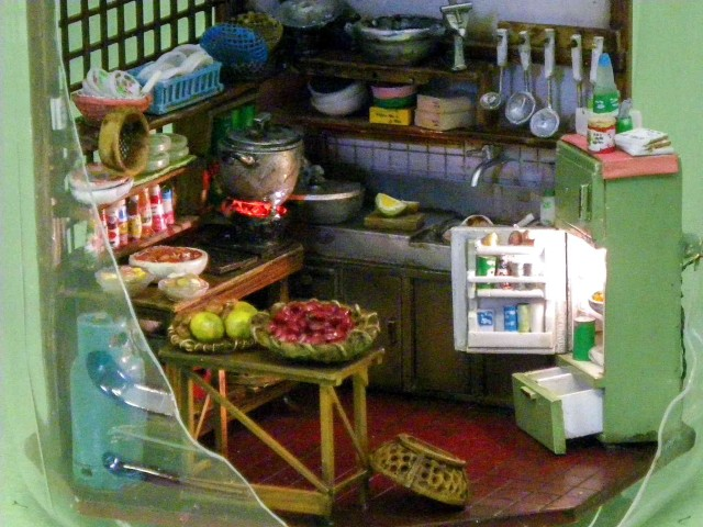 Tiny Kitchen in Japanese Kirin Ad