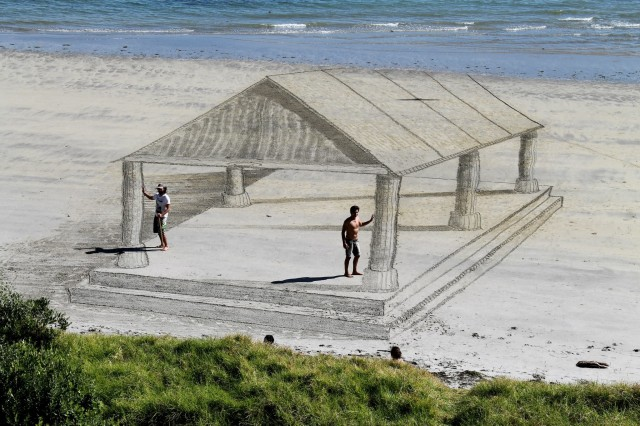 3D Illusion Sand Drawings