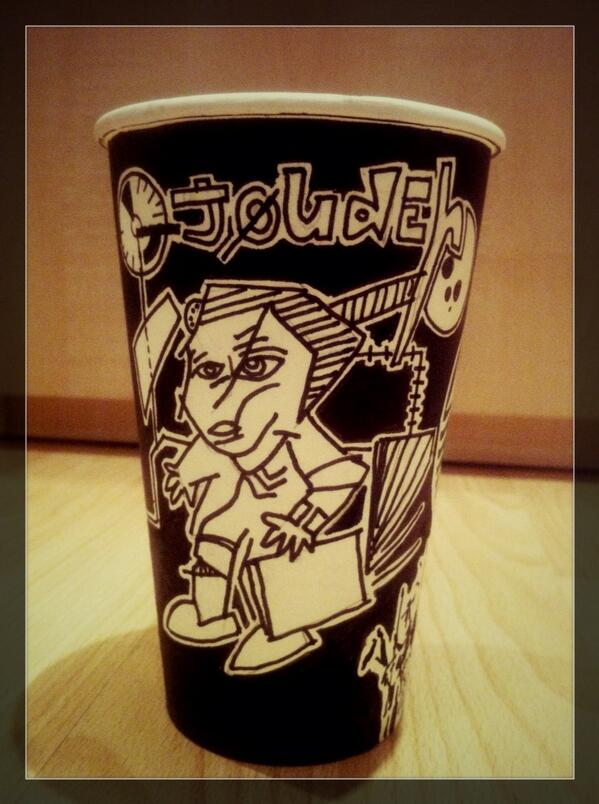 London Starbucks Barista Makes Elaborate Coffee Cup Drawings