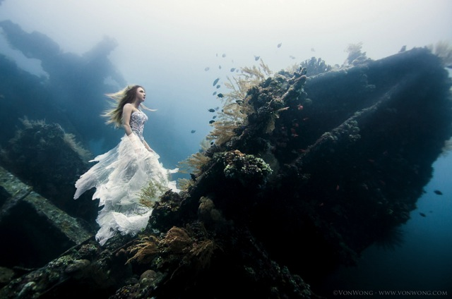 Ethereal Underwater Fashion Photos by Benjamin Von Wong