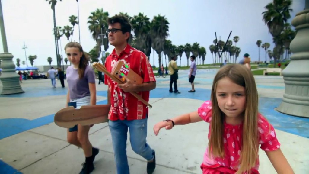 Boing Boing Founder Mark Fraunfelder and His Daughters Create DIY Projects Together In the Short Film 'Make'