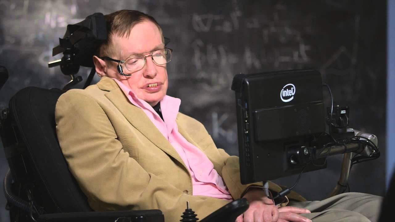 Host John Oliver Interviews Theoretical Physicist Stephen Hawking on 'Last Week Tonight'