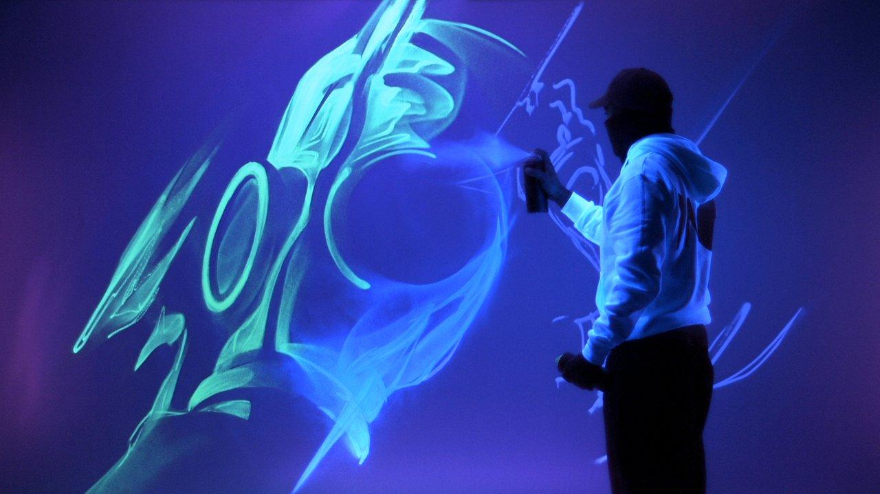 Luminous A Video Of Artist Ino Creating Glowing Art Using