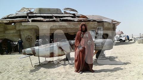 Leaked Star Wars: Episode VII Set Photos