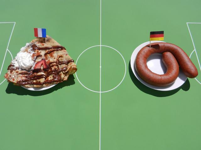 France vs Germany - Crepewurst
