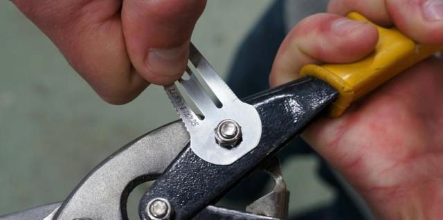 Leatherdos Wrench
