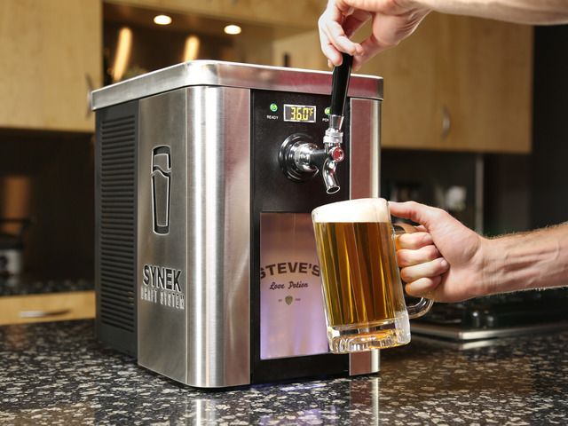 SYNEK Draft System, A Portable Beer Tap for Use at Home