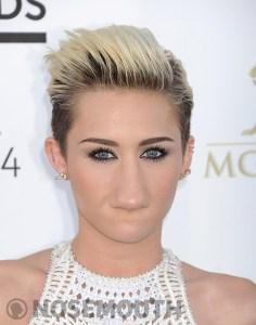 Nosemouth Miley Cyrus