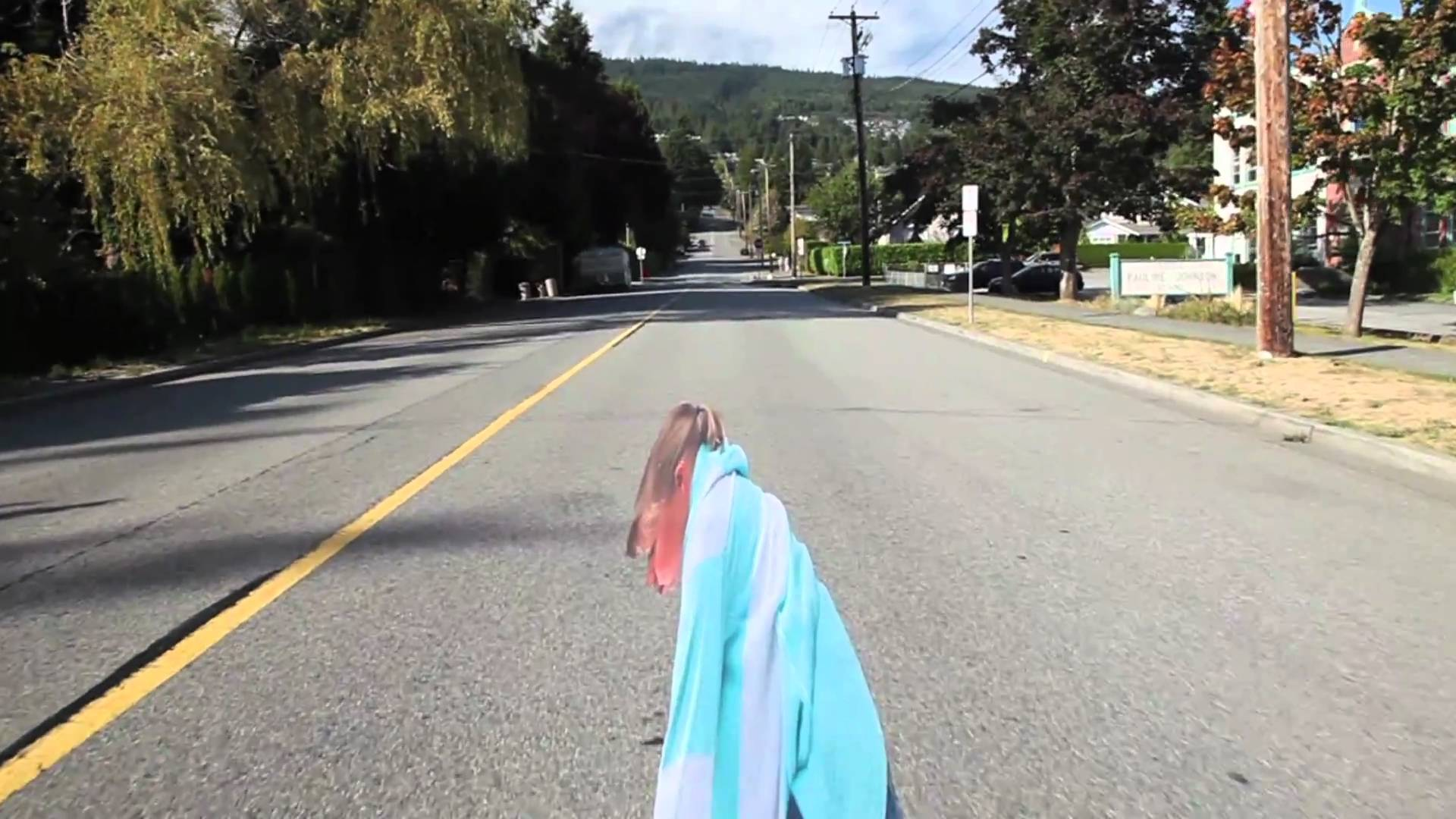 3D Optical Illusion Painted On Street To Make Drivers Slow ...