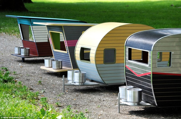 Pet Camper A Tiny Dog House Shaped Like A Trailer With