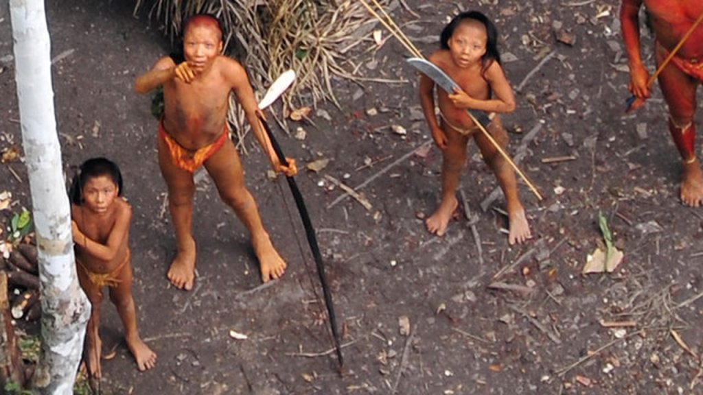 First Ever Aerial Footage of an Uncontacted Amazon Tribe
