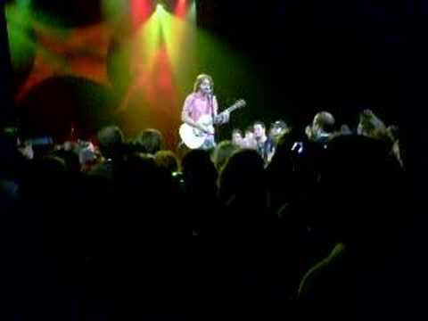 """Jonathan Coulton Singing """"Re: Your Brains"""" at PAX 2007"""