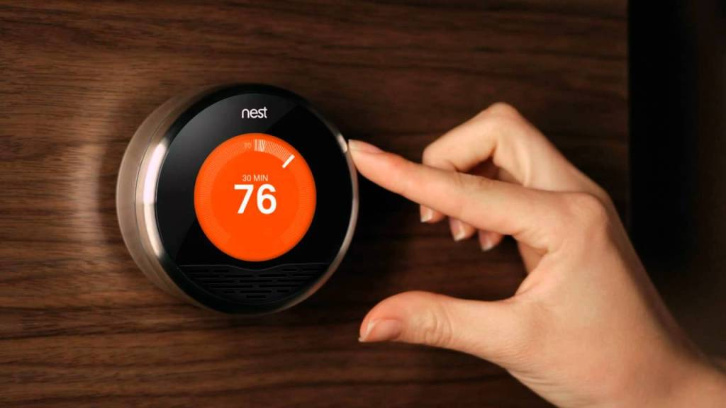 nest a learning thermostat created by former iphone ipod