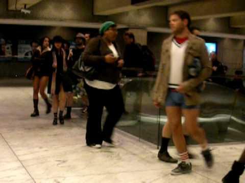 No Pants Subway Ride 2010: SF Photos & Videos