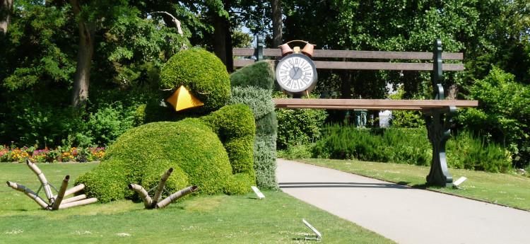 Sleepy Chick Topiary by Claude Ponti