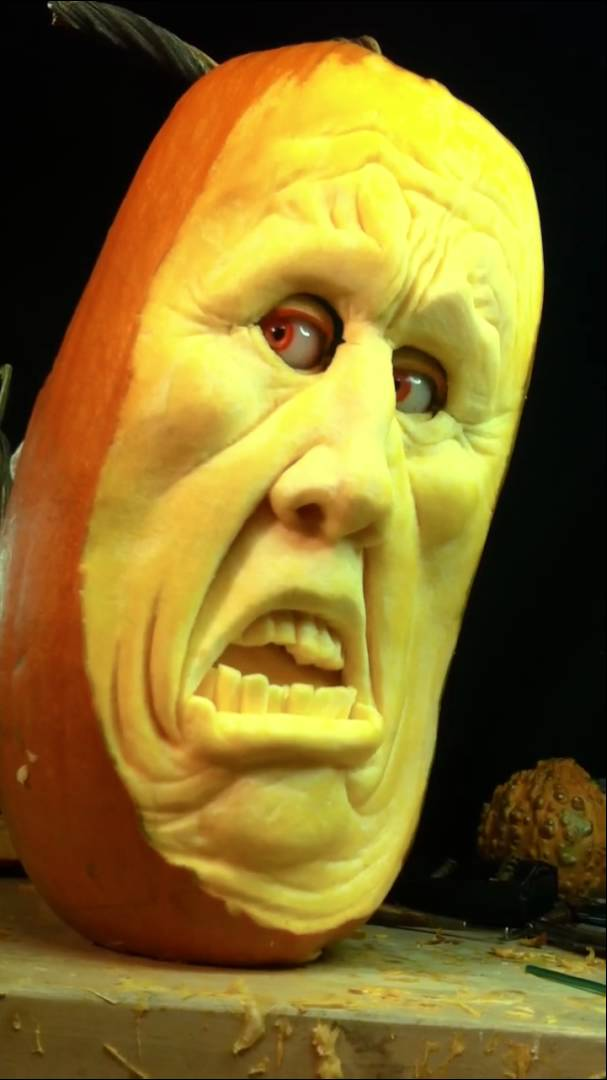 Realistic d pumpkin carvings by food sculptor ray villafane