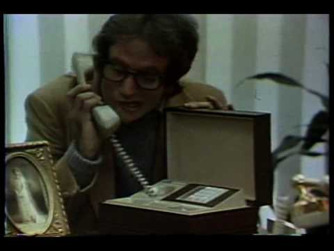 robin williams 1977 telephone commercial and broadway debut