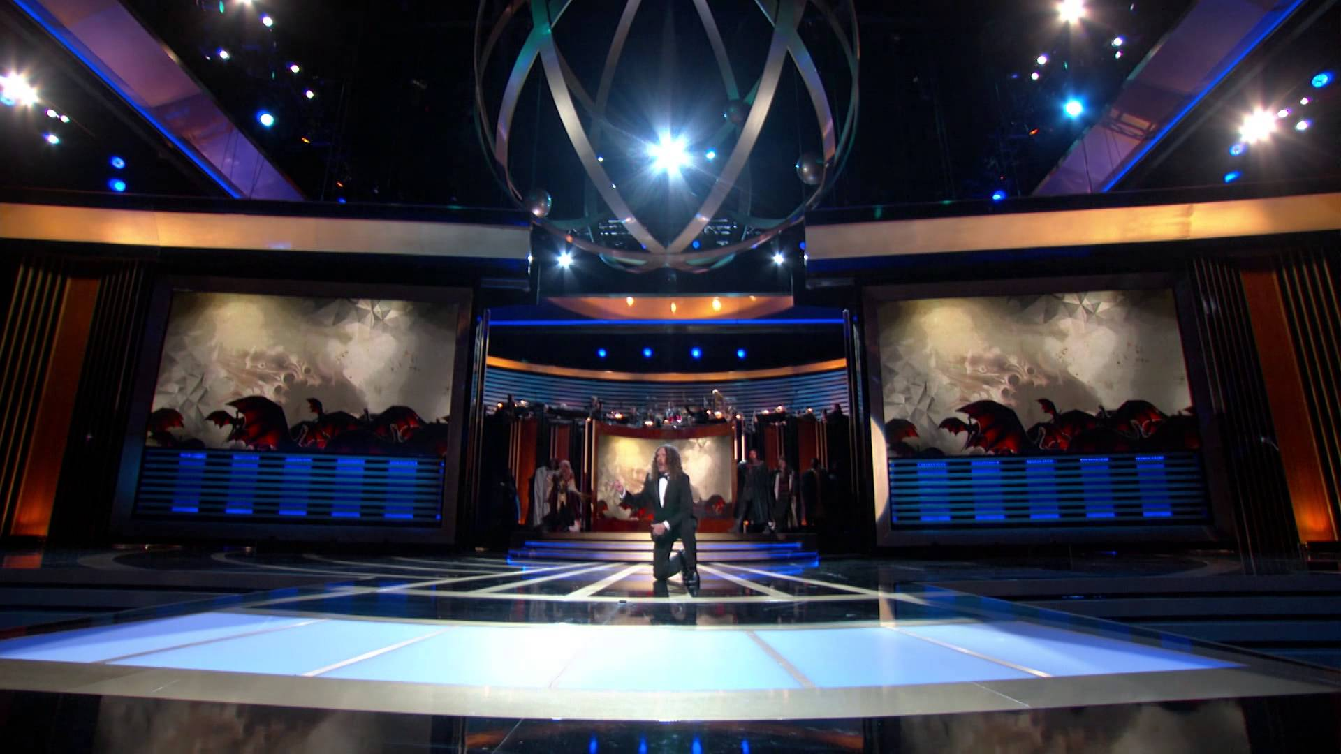 'Weird Al' Yankovic Performs a Medley of Television Show Theme Songs With Added Lyrics at the 2014 Emmy Awards