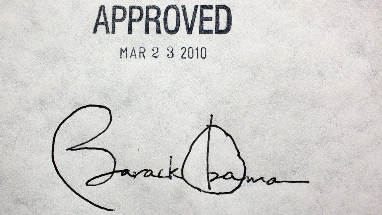 president obama signing pen