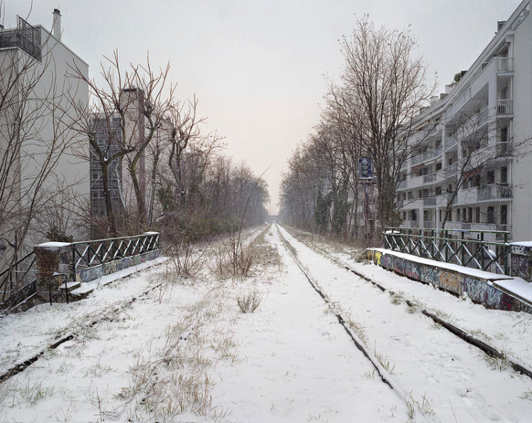 Wonderfully Eerie Photos of an Abandoned Railway in Paris