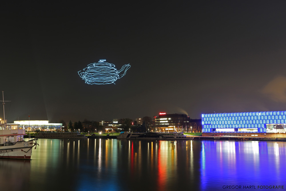 3D Light Show spaxels, led-equipped drones that are used to create 3d light art