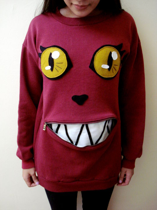 How to Make an Adorable Cat Sweatshirt With a Mouth That Opens and Closes With a Zipper