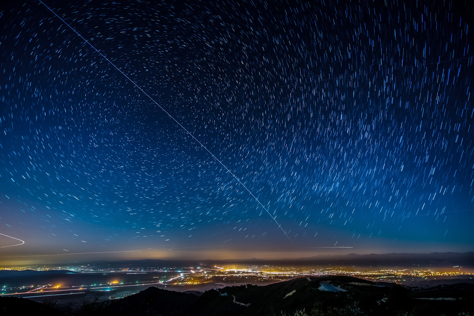 Beautiful Time-Lapse Footage of the International Space ...