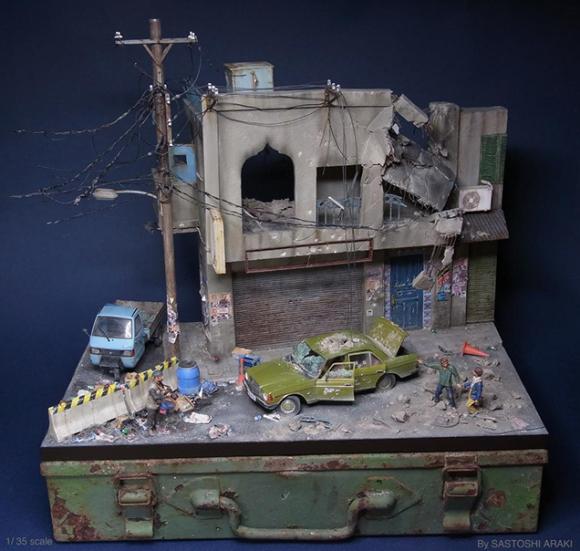 Hyper-Detailed Miniature Dioramas of Street Scenes