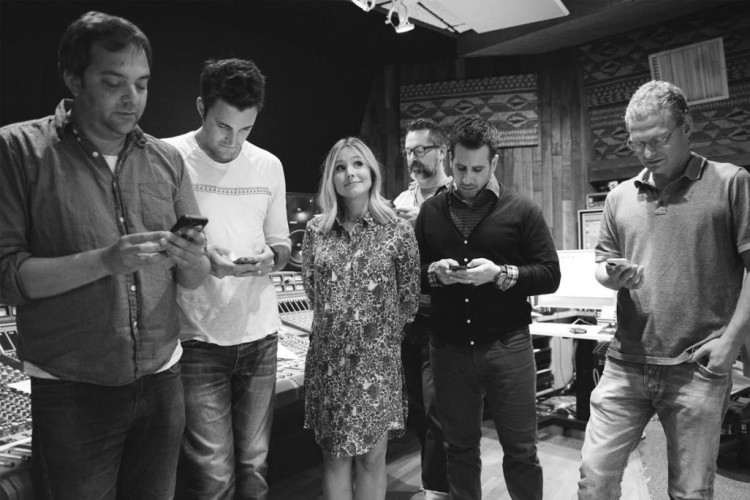 Kristen Bell and Straight No Chaser