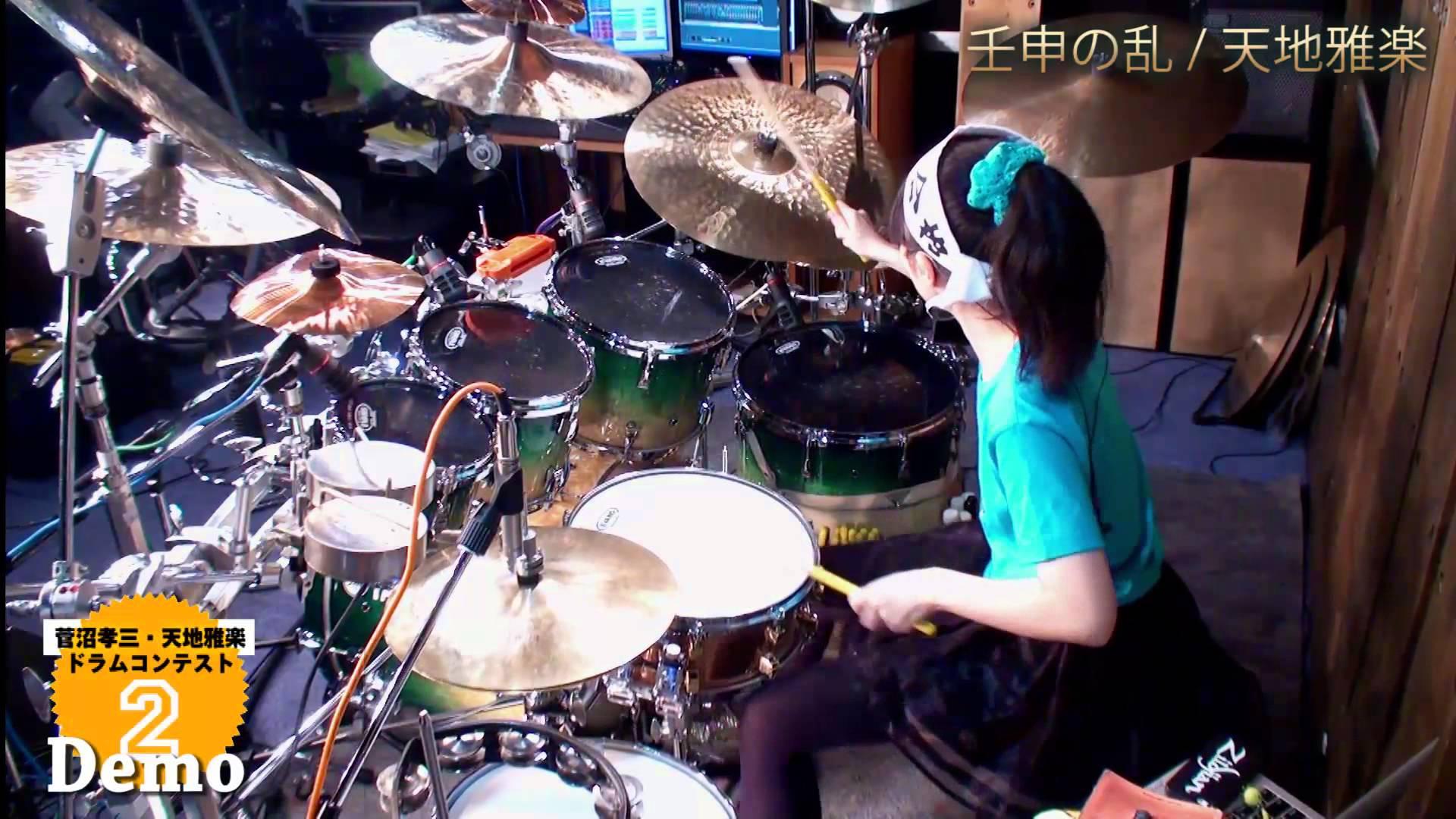 16-Year-Old Japanese Phenom Senri Kawaguchi Performs a Series of Impressive Drumming Feats