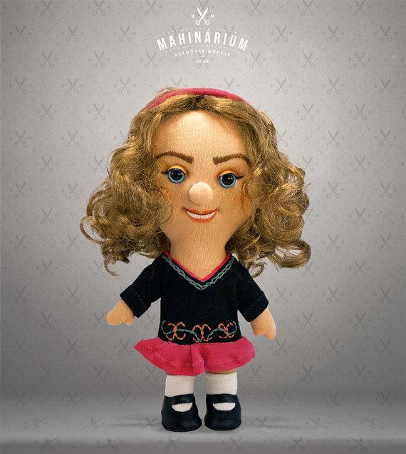 Selfie Doll