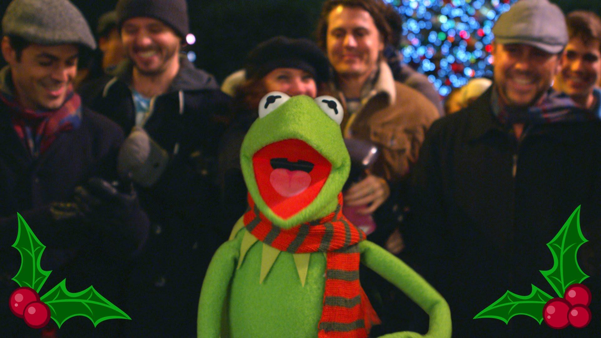 Kermit the Frog Singing \u0027It Feels Like Christmas\u0027 From \u0027The