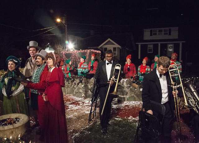 Epic Christmas Caroling by Improv Everywhere