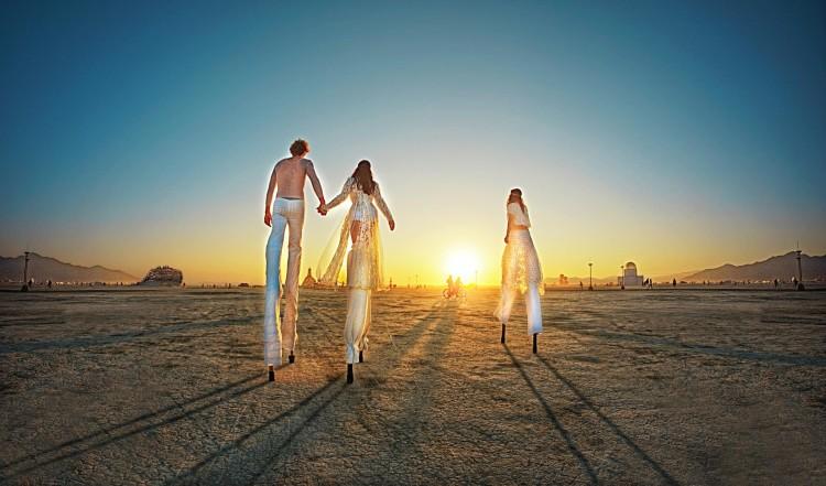 Surreal Photos of the 2014 Burning Man Festival by Ari Fararooy