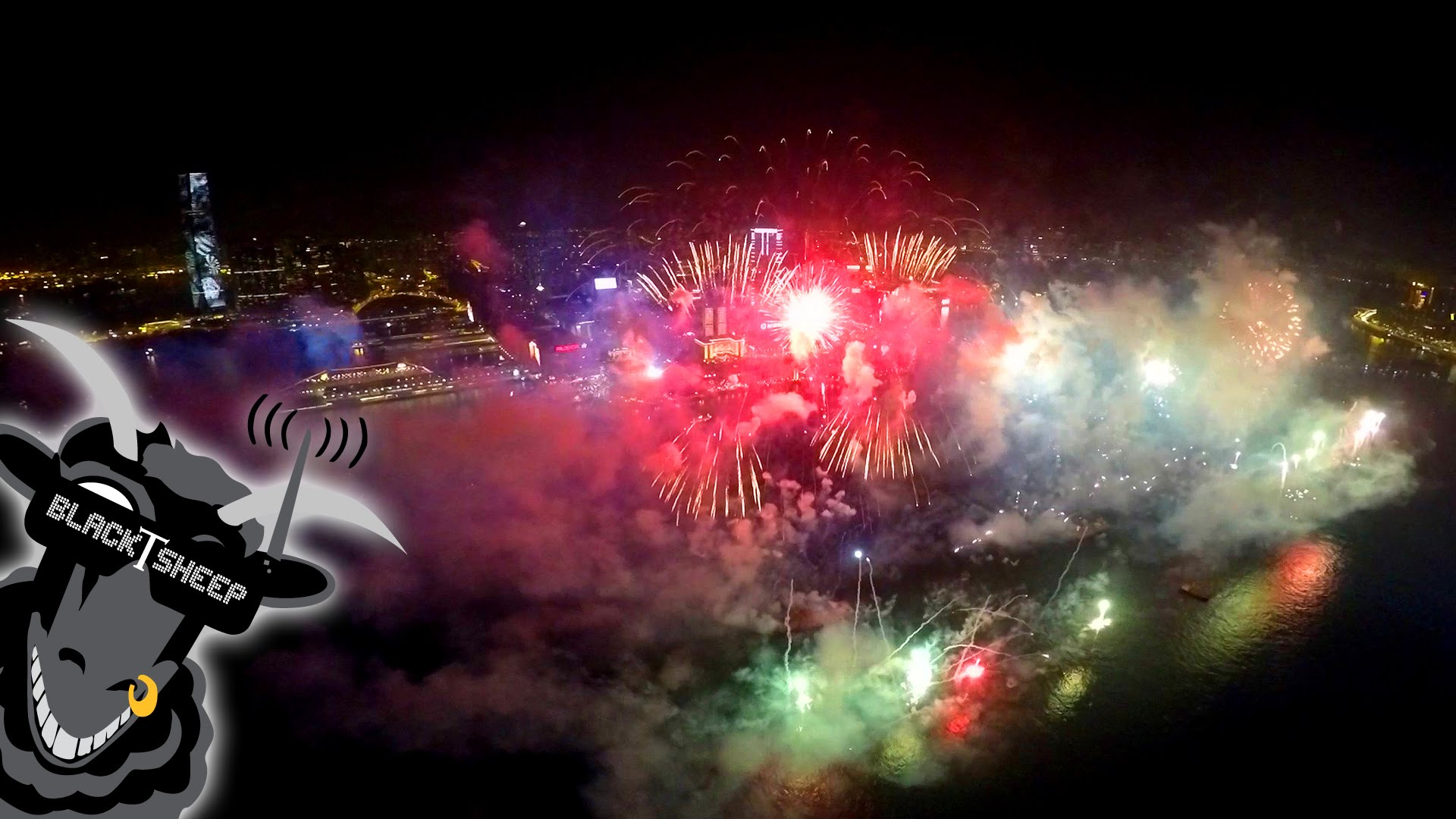 Drone Video of a Spectacular 2015 New Year's Fireworks Show in Hong Kong