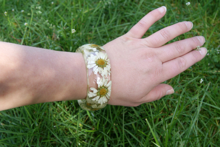 Handmade Resin Jewelry With Flowers and Shells