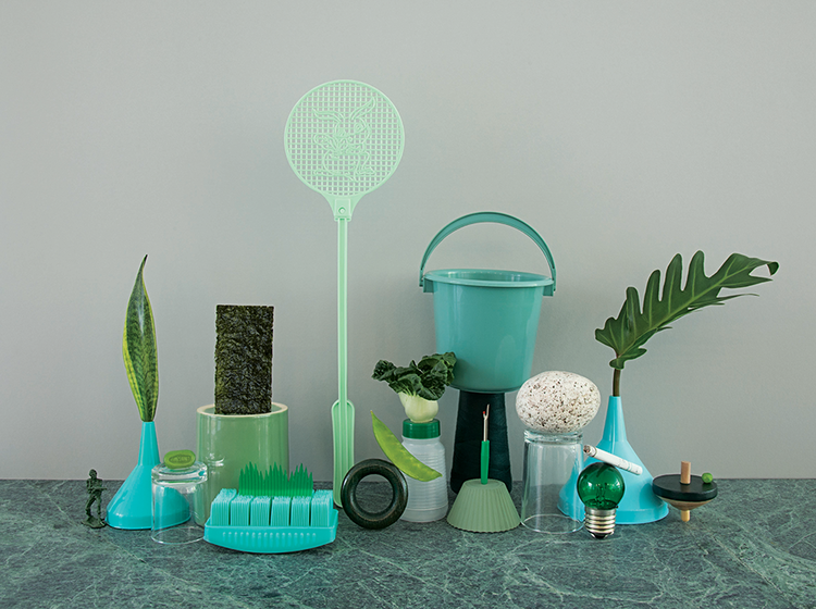 'A Thing of Beauty', A Series of Photos That Feature Monochromatic Displays of Household Objects