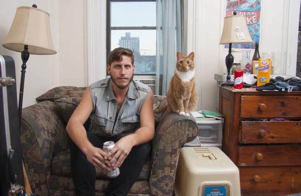 'Men & Cats', An Illuminating Photo Series Featuring the Unbreakable Bond Between Guys and Their Beloved Felines