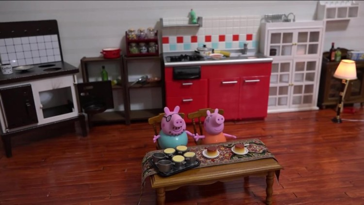 Piggies Eating
