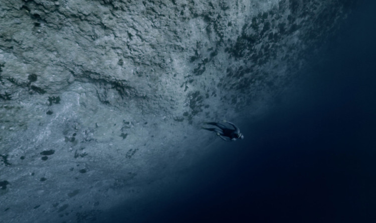 Ocean Gravity by Guillaume Nery and Julie Gautier